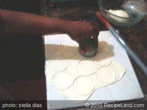 Homemade Fried Semolina Bread