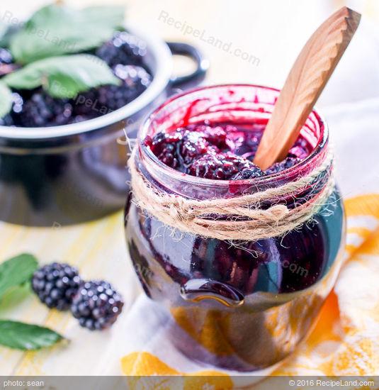 Easy Blackberry Preserves Recipe