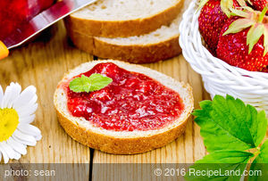 No Cook Strawberry and  Banana Jam