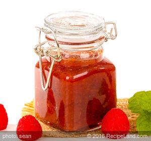 No-Cook Georgia Peachberry Jam