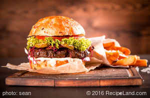 Black Angus Burger with Cheddar &Grld Green Chiles (Gr)