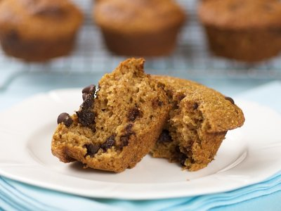 Moist Whole Wheat Pumpkin Muffins
