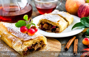 Milopita ( Greek Apple Pastry )