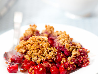 Cherry Crisp with Oatmeal and Nut Topping