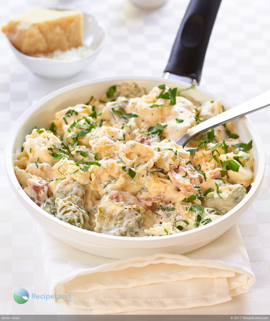 Easy Alfredo Tortellini with Garlic for Two