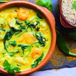 This delicious cod and prawn curry is such a healthy and nutritious meal for the whole family to enjoy. It's protein-rich, full of flavour and has less than 300 calories per serving. What's not to love?  If you're looking for a quick and simple meal that's easy to prepare and takes less than 30 minutes to make, then give this recipe a go. Hope you enjoy!