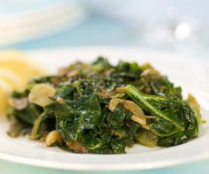 Southern Living Quick Braised Collards with Garlic