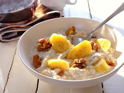 Banana-Walnut Breakfast Muesli