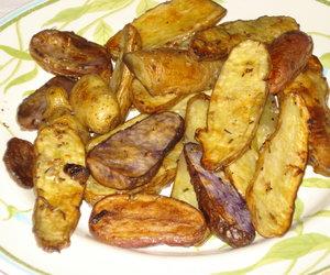 Garlicky Roasted Fingerling Potatoes