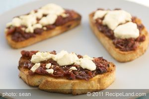 Sun-Dried Tomato Jam with Goat Cheese Crostini