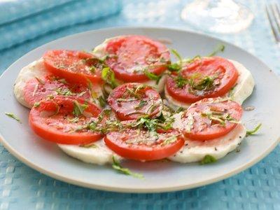 Mozzarella Tomato & Basil Salad