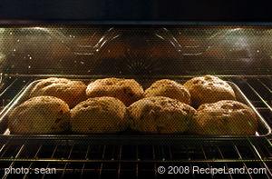 Walnut-Onion Herb Bread