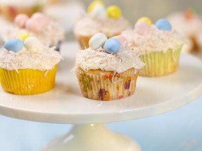 Easter Yogurt Lemon Cupcakes with Lemon Cream Cheese Frosting