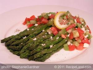 Esparragos Con Tomatillos (Asparagus with Tomatillos)