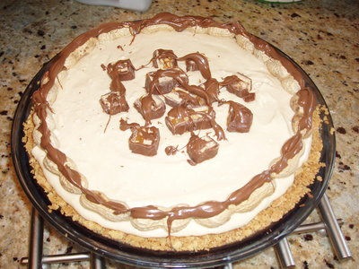 Cream Cheese Peanut Snickers Pie