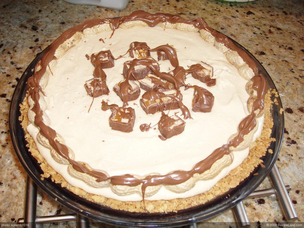Cream Cheese Peanut Snickers Pie