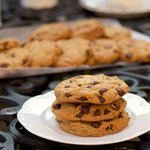 Super Delicious Peanut-Butter and Chocolate Chips Cookies