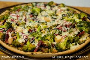 Cheesy Green Garden Pizza