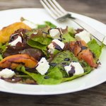 Absolutely Tasty Grilled Peaches Salad