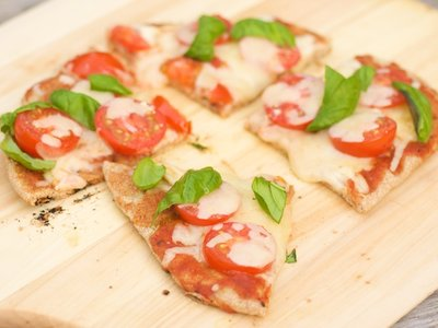 Grilled Tomato and Mozzarella Pizza with Basil