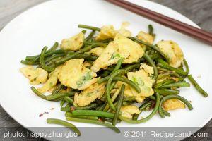 Garlic Scape Stir-fry with Scrambled Eggs
