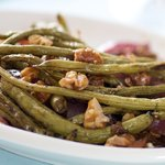 A quick, easy and very tasty toasted green bean salad!