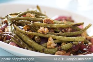 Balsamic Roasted Green Beans, Red Onion and Toasted Walnuts