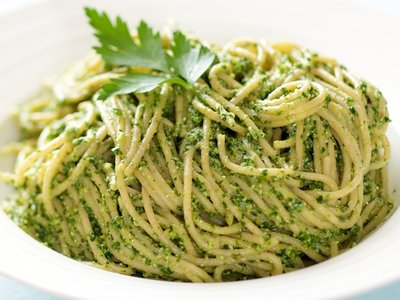 Arugula, Parsley and Ricotta Pesto with Pasta