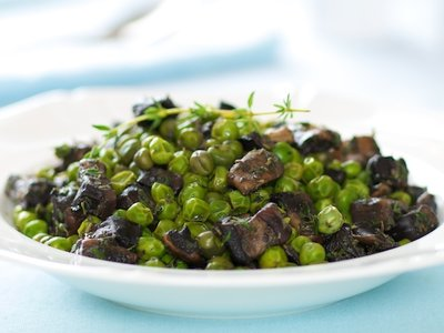 Skillet Peas with Mushroom and Thyme
