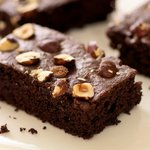 Cake-like brownies, very tender crumb, perfect with a cup of milk!