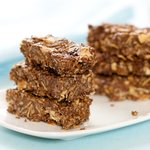 Nutty, chocolaty and delicious homemade granola bars!