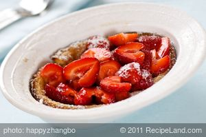 Baked German Pancakes with Fresh Strawberries