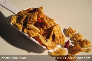 Ginger-Honey Crunch Snack Mix