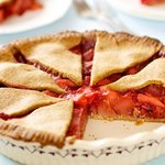 The pie not only looks pretty but also satisfies your palate.
