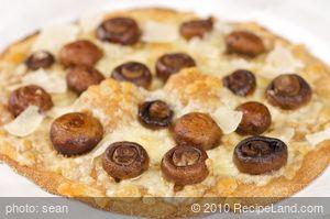 Cheesy Mushroom Pizza