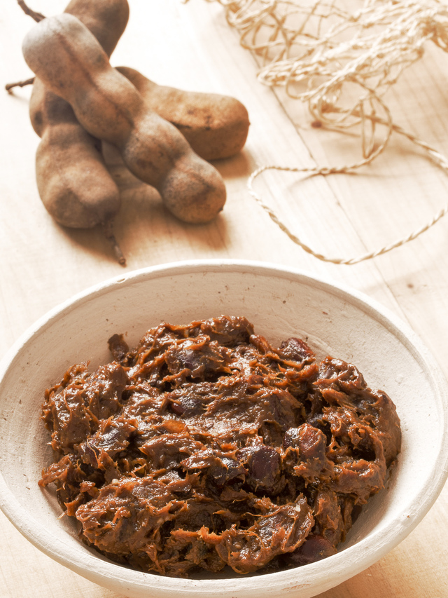 fresh tamarind and tamarind paste