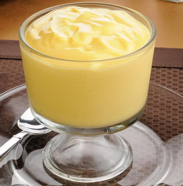prepared instant vanilla pudding