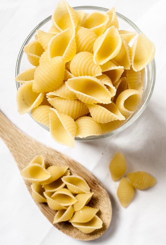 shell pasta close-up
